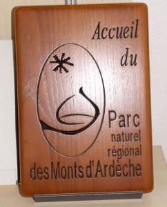 Gravure sur bois pour pièce d'accueil du PNR des Monts d'Ardèche