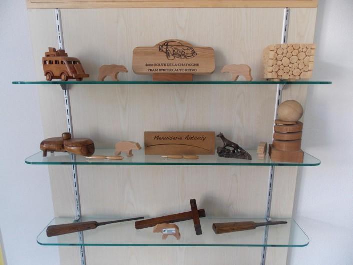 objet divers en bois