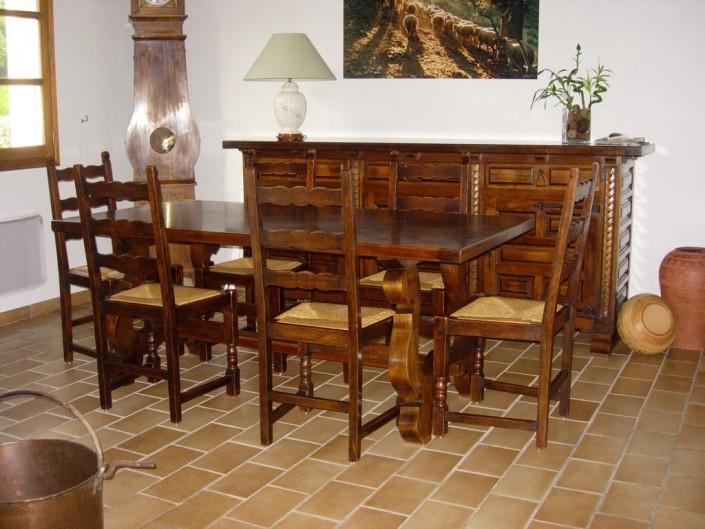 Salle à manger : Table, Chaises et buffet